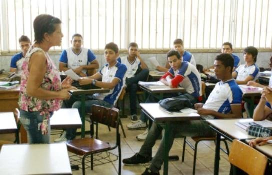 Especialistas elaboram documento para reforma na educação básica